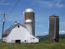 Vermont Barn with three silos Royalty Free Stock Photos
