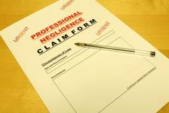 Vernachlässigung- der berufsmässigen SorgfaltspflichtAntragsformular Stockbilder