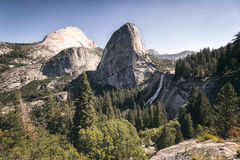 Vernal πτώση, Yosemite NP στοκ φωτογραφίες με δικαίωμα ελεύθερης χρήσης