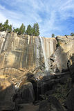 Vernal Falls på den Yosemite nationalparken, Kalifornien Royaltyfria Bilder
