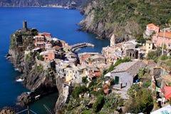 Vernazza, Cinque Terre, Italia - vista fotografie stock libere da diritti