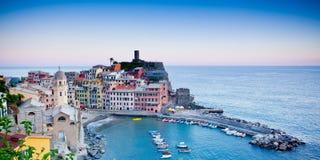 Vernazza Cinque Terre, Italien fotografering för bildbyråer