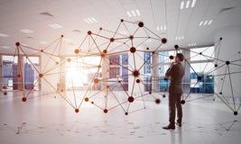 Vernetzung und Sozialkommunikationskonzept als effektiver Punkt für modernes Geschäft Lizenzfreies Stockbild