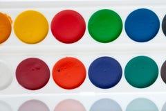 Vernice dell'acquerello sulla gamma di colori Fotografia Stock Libera da Diritti