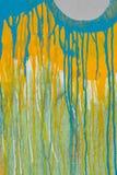 Vernice della sgocciolatura su legno incrinato Immagine Stock