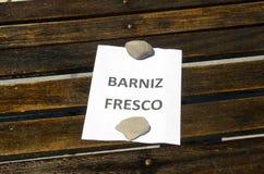 Vernice fresca su legno Immagine Stock