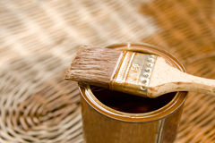 Vernice proteggente di legno fotografia stock libera da diritti