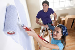 Verniciatura della casa nuova immagini stock libere da diritti