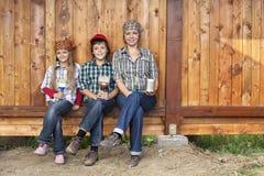 Verniciatura della tettoia di legno Fotografia Stock Libera da Diritti