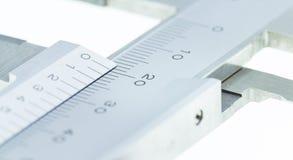 Vernier Caliper Close encima de la escala de la medida Fotos de archivo libres de regalías
