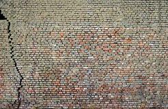 Vernietigde de oude muur stock afbeelding
