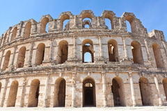 Vernietigde oude Amphitheatre in Gr Djem Stock Afbeelding