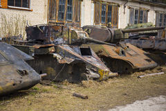 Vernietigde sovjet oude tanks Royalty-vrije Stock Afbeeldingen