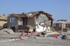 Vernietigde strandhuizen in de nasleep van Hurrica Royalty-vrije Stock Fotografie