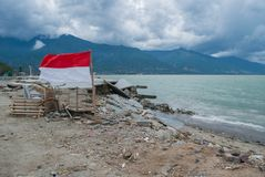 Vernietigend op Talise-Strand na Tsunami-Klap Palu On 28 September 2018 stock foto's