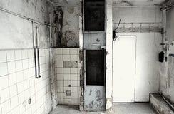 Vernietiging van een oude lift Royalty-vrije Stock Afbeeldingen