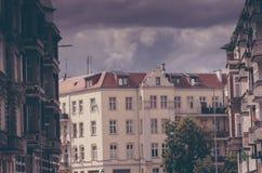 Vernieuw flats in Europen-stad stock foto