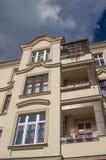 Vernieuw flats in Europen-stad royalty-vrije stock afbeelding