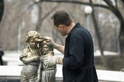 Vernieuw het oude beeldhouwwerk Royalty-vrije Stock Foto