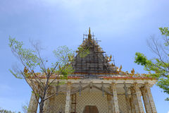 Vernieuw in Wat Pa Lelai Worawihan (de Tempel van Palelai Worawihan) - Suphanburi stock foto