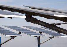 Vernieuwbare energie: zonnepanelen royalty-vrije stock fotografie