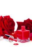 Vernis de clou rouge élégant dans une bouteille élégante Images libres de droits
