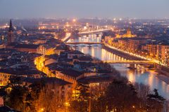 Verona alla notte Fotografia Stock