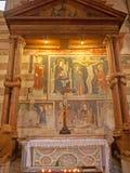 Verona - altare laterale delle colonne annodate in basilica San Zeno Immagine Stock Libera da Diritti