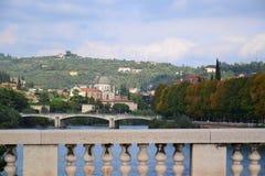Verona-Brücken und der Adige-Fluss Lizenzfreie Stockfotografie