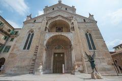 Verona Cathedral esteriore, aspetto esterno della chiesa immagine stock libera da diritti
