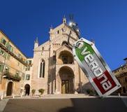 Verona Cathedral med metalletiketten - Italien Royaltyfri Foto
