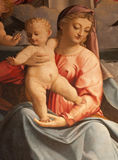 Verona - detalhe da pintura de Mary santamente com a criança por Francesco Torbido da igreja San Fermo Maggiore Fotografia de Stock
