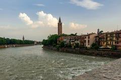 Verona do Ponte San Pietro imagens de stock