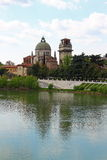 Verona entlang dem Fluss Adige, Italien Lizenzfreie Stockfotografie