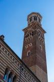 VERONA, ITÁLIA - 24 DE MARÇO: Vista da torre de Lamberti em Verona Foto de Stock Royalty Free