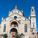 VERONA, ITALIË - MAART 24: Mening van Verona Cathedral in Verona It Stock Afbeeldingen