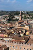 VERONA, ITALIË - MAART 24: Mening van Verona van Lamberti Towe Royalty-vrije Stock Foto's