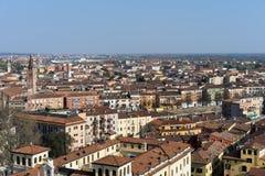VERONA, ITALIË - MAART 24: Mening van Verona van Lamberti Towe Stock Afbeelding