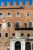 VERONA, ITALIË - MAART 24: Paleis van Cansignorio in Plaza del Si Royalty-vrije Stock Afbeelding