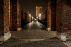 Verona, Italia, puente de piedra, el castillo viejo, visión panorámica fotos de archivo libres de regalías
