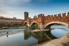 VERONA Italien - April 04, 2017: Cityscape av Verona, Veneto Royaltyfri Bild