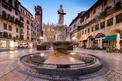 VERONA Italien - April 04, 2017: Cityscape av Verona, Veneto Royaltyfria Foton