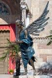 VERONA, ITALIEN - 24. MÄRZ: Angel Statue außerhalb Verona Cathedrals Stockbilder
