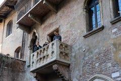 VERONA, ITALIEN - 24. MÄRZ: Romeo und Juliets Balkon in Verona Lizenzfreies Stockbild