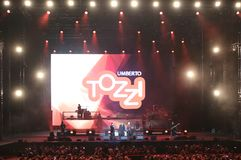 Verona Italien - Oktober 14, 2017: Live Concert av Umberto Tozzi Arkivfoton