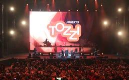 Verona Italien - Oktober 14, 2017: Live Concert av Umberto Tozzi Arkivbilder