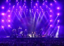 Verona Italien - Oktober 14, 2017: Live Concert av Umberto Tozzi Royaltyfria Bilder