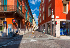 VERONA, ITALY- September 08, 2016: View on the cross road of streets of Via Roma and Via Carlo Cattaneo, located on the center of Stock Images