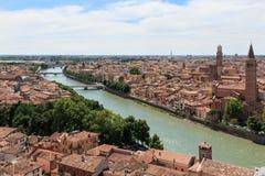 Verona linia horyzontu z Adige rzeką przy południem obraz royalty free