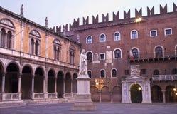 Verona - Marktplatz dei Signori und Dante Alighieri lizenzfreies stockfoto